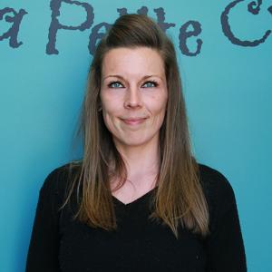 Marie-Hélène Rancourt, éducatrice titulaire du groupe des Pinsons (18-30 mois)